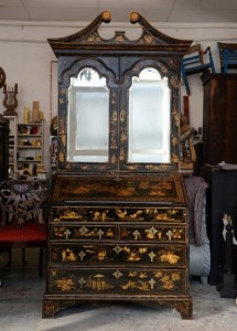 Japanned cabinet (1)
